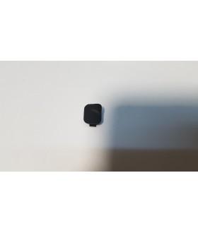 Заглушка в ручке закрывания дверей левая