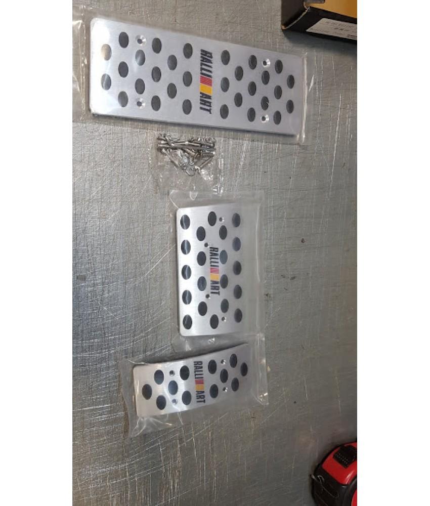 Накладки на педали автомат